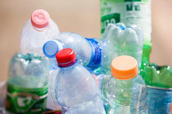 http://istemol.tj/wp-content/uploads/2021/04/depositphotos_1328641-stock-photo-plastic-bottles.jpg